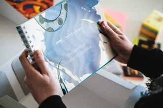 240 Seiten geballte Workshop-Power in Ihren Händen - das ARITHNEA UX-Workbook