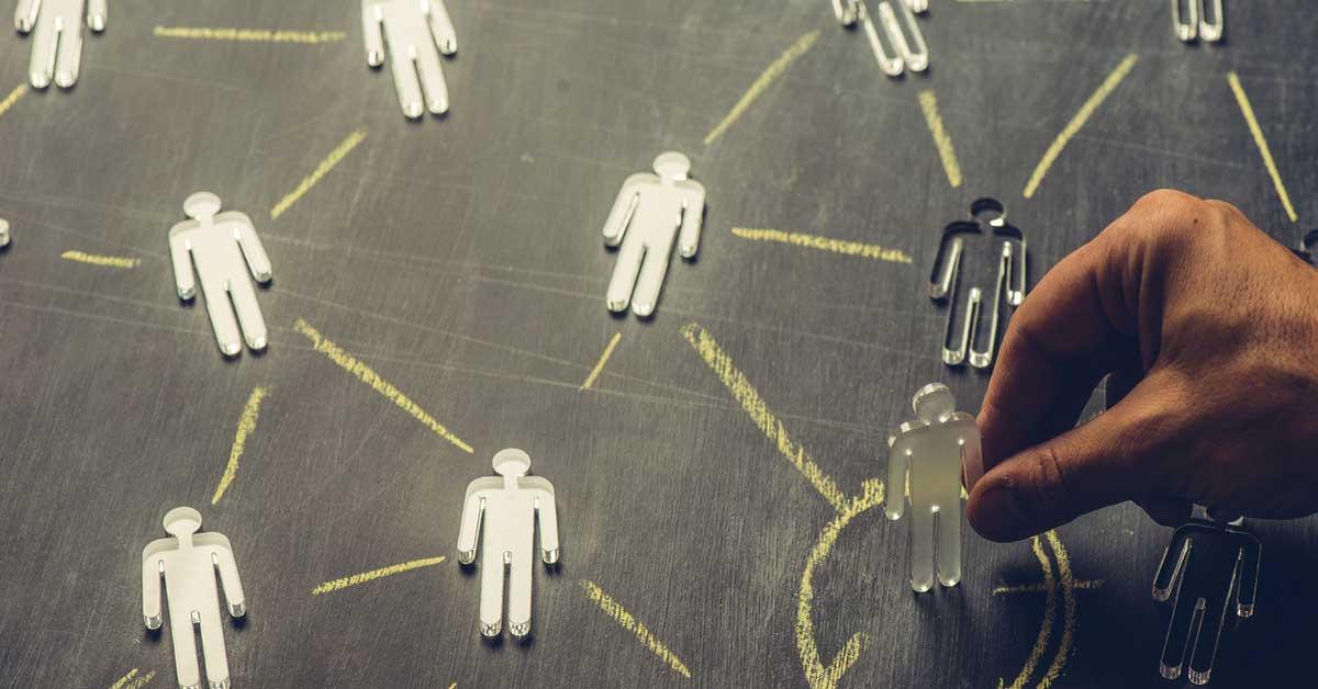 Verbindung zwischen Männchen auf Tafel